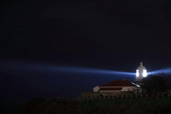 星空と灯台