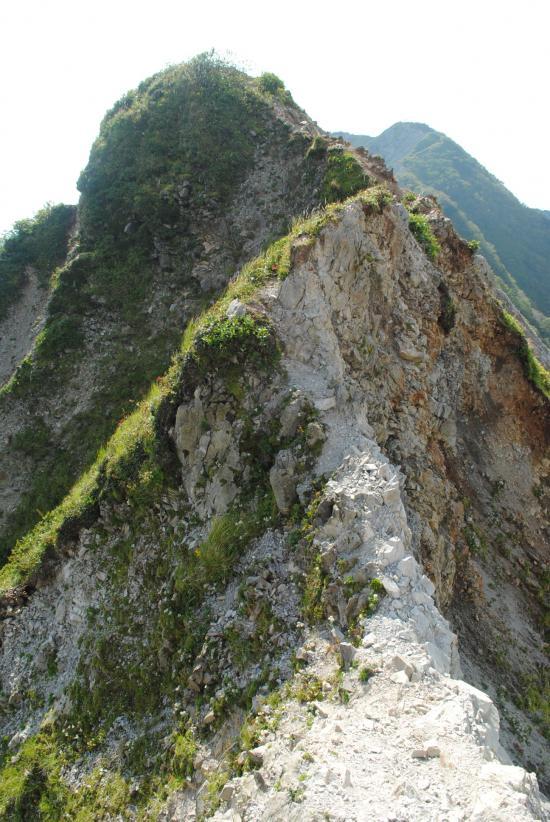 登山初心者が国内山岳最難ルート 伯耆大山「ラクダの背」縦走に挑んだ結果ww